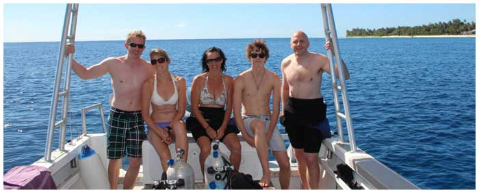 PADI Open Water course Rarotonga students on the boat